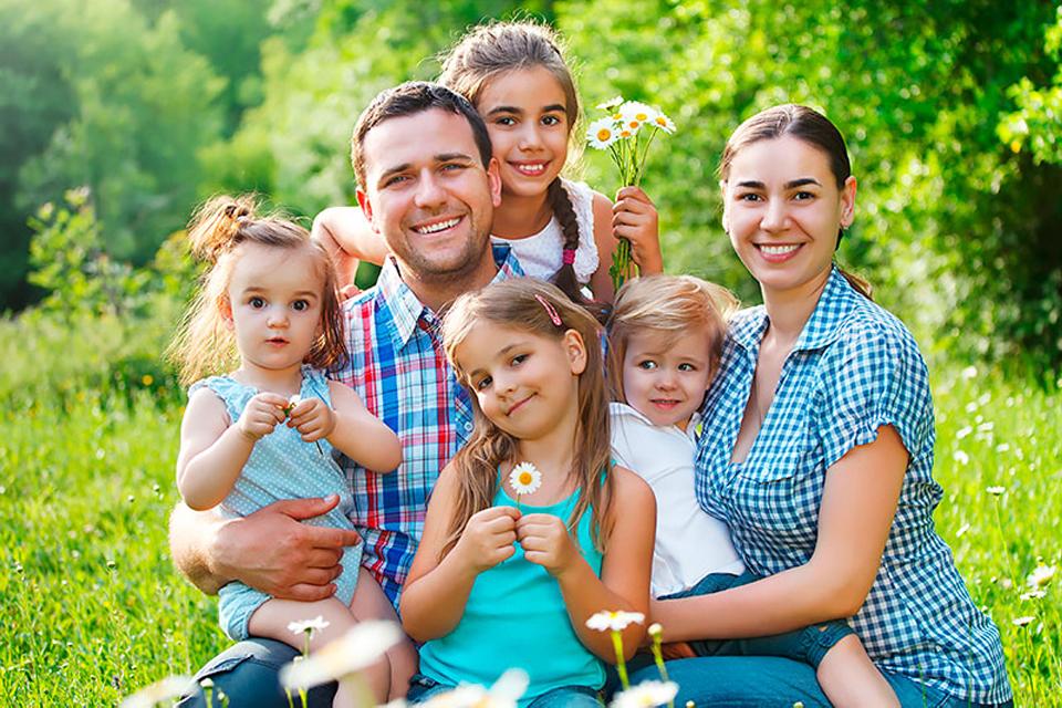 картинки счастливой семьи с детьми гребцы шустро сновали
